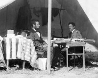 Abraham Lincoln and General George McClellan  after the Battle of Antietam, 1862 (Wikimedia)