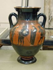A black-figured amphora: Herakles and Eurystheus. (British Museum)